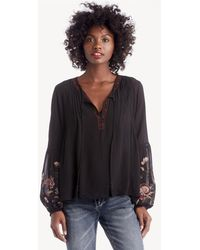 5c59e4354be999 Lyst - Noa Elle Romey Embroidered Top in Black