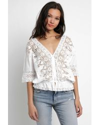 South Moon Under - Daisy Lace V-neck Blouse - Lyst