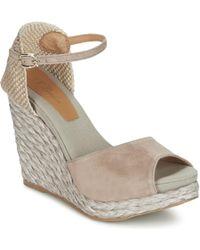 Betty London - Egalife Women's Sandals In Beige - Lyst