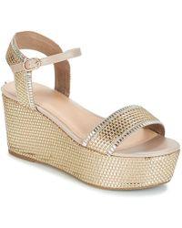 Guess - Lissa2 Women's Sandals In Gold - Lyst