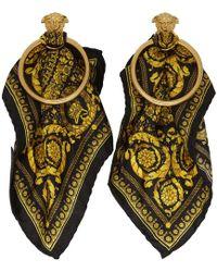 Versace - ブラック And ゴールド バロッコ スカーフ メドゥーサ フープ ピアス - Lyst