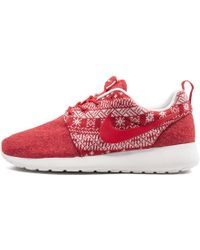 5c7782e29a10 Lyst - Nike Womens Roshe Run Winter Casual Sneakers From Finish Line ...