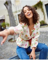 The Kooples - Top ajustado de lino con estampado floral - Lyst