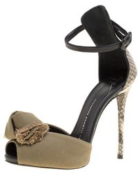 0cae0ba07d4 Giuseppe Zanotti - Khaki beige Python And Canvas Bow Ankle Strap Sandals -  Lyst