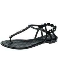 b5ba088e5 Chanel - Black Leather Camellia T-strap Flat Thong Sandals Size 38 - Lyst