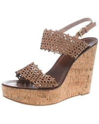 b66dc36cc56e2 Tory Burch - Perforated Leather Daisy Cork Wedge Sandals - Lyst