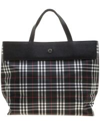 Burberry Medium Patent London Leather Tote Bag in Black - Lyst a63f7860921fc
