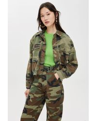 TOPSHOP - Benny Camouflage Crop Shirt Jacket - Lyst