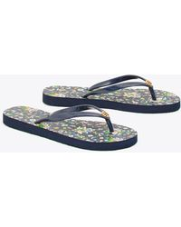 0e7ed9152 Lyst - Tory Burch  thandie  Print Wedge Flip Flops