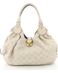 8924a7c28db3 Louis Vuitton Mahina Leather Handbag in Gray - Lyst