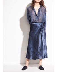 Vince - Watercolor Marble Silk-satin Side Pleat Skirt - Lyst