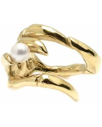Kim Keohane - Large Gold Claw Ring With Pearl - Lyst
