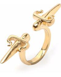 Leivan Kash - Double Dagger Ring Gold - Lyst