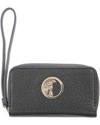 e5f0a495a Carteras y monederos Versace de mujer desde 47 € - Lyst