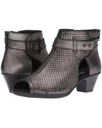 Earth - Intrepid (blush Soft Buck) Women's Boots - Lyst