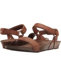 6c6b904e1b5a Lyst - Tory Burch Quilt-Stitch Studded Thong Sandals in Natural