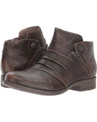 Earth - Ronan (taupe Brush-off Leather) Women's Boots - Lyst