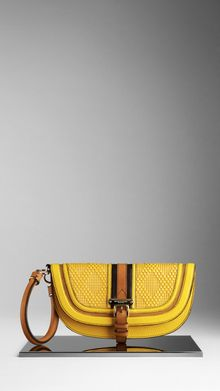 Burberry Medium Belted Raffia Clutch - Lyst