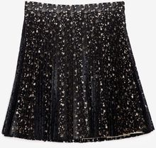 Lover Laser Cut Floral Pleated Skirt Black - Lyst