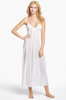 Oscar De La Renta Sleepwear  Romantic Whisper Long Nightgown - Lyst