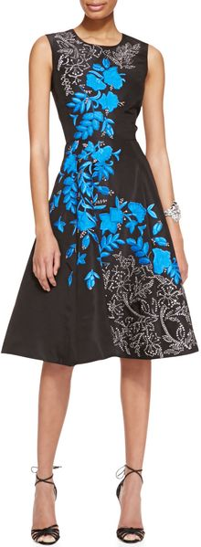 Oscar de la Renta Sleeveless Floralembroidered Silk Cocktail Dress Blackblue - Lyst