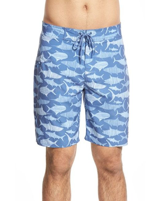 Vineyard vines 39 sea of fish 39 board shorts in blue for men for Fishing board shorts