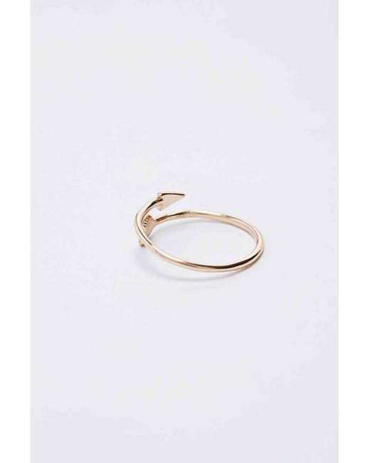 Urban Outfitters | Metallic Gold Arrow Ring | Lyst