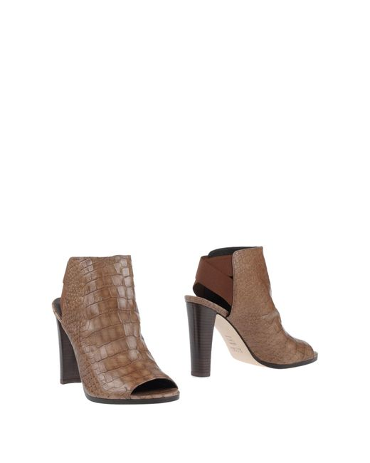Stuart Weitzman | Brown Ankle Boots | Lyst