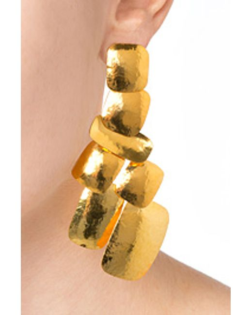 Herve Van Der Straeten | Metallic Hervé Van Der Straeten Hammered Gold-plated Yucata Earrings | Lyst