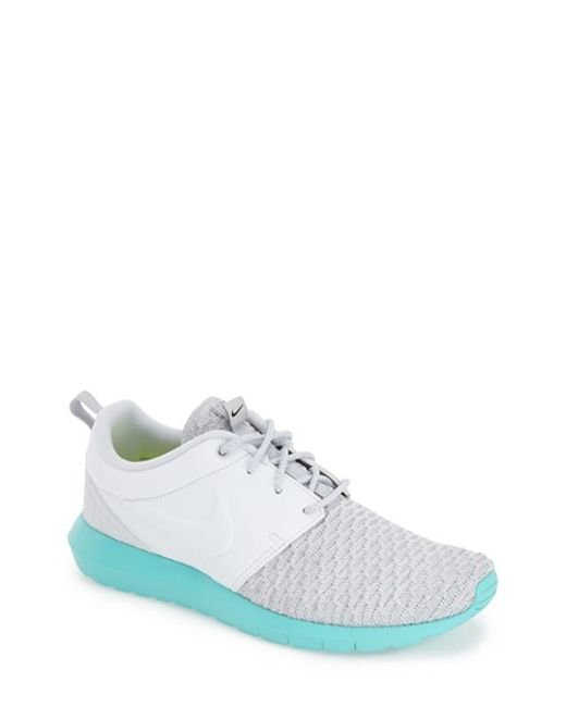 Nike | Gray 'roshe Flyknit' Sneaker for Men | Lyst
