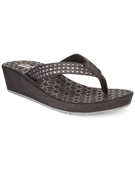 Clarks Collection Womens Liya Gander Flip Flops In Black -4167