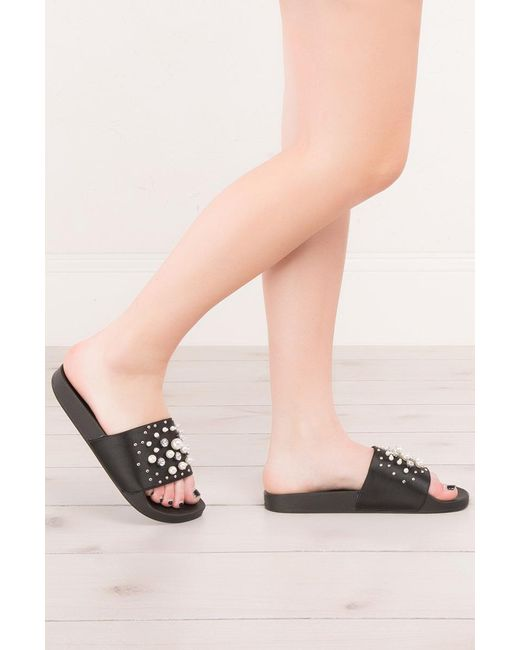 Akira | Black Pearls Of Wisdom Beaded Slide Sandals | Lyst