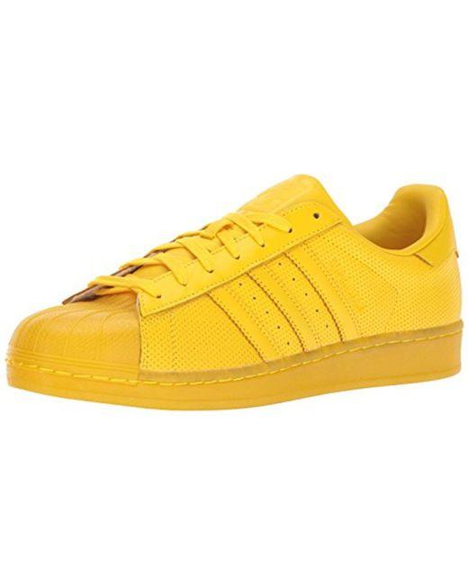 lyst adidas superstar adicolor originali in giallo per gli uomini.