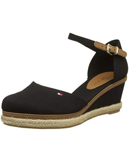 Women's Black Iconic Elba Basic Closed Toe Sandals