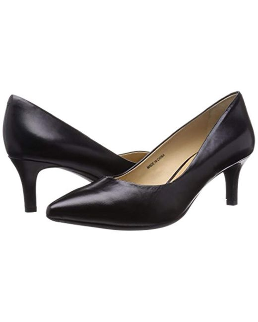 a6efc24bf832 Geox  s D Elina C Closed-toe Pumps in Black - Lyst