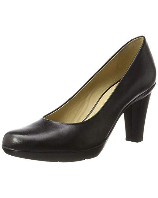Women's Black D Inspiration C Closed toe Court Shoes