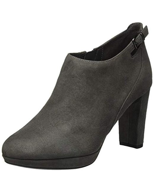 Clarks - Gray Kendra Spice Ankle Boots - Lyst