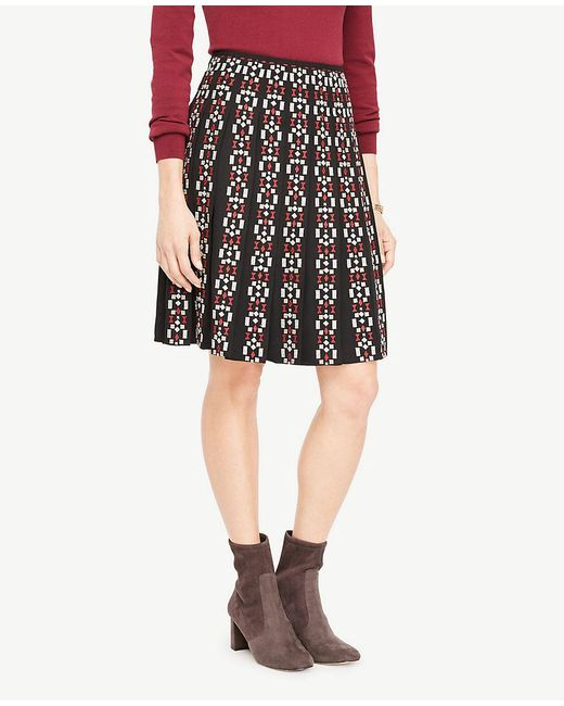 Ann Taylor   Black Embroidered Pleated Skirt   Lyst