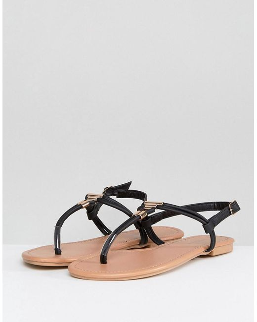 Leather Look Toe Post Metal Detail Flat Sandal - Black New Look