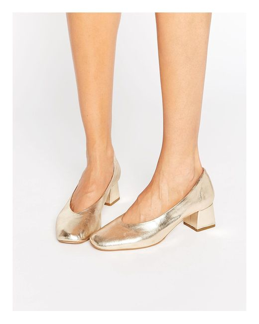 Carvela Kurt Geiger | Metallic Antidote Gold Leather Mid Heeled Shoes | Lyst