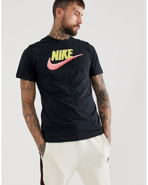 33faccca9 Nike Swoosh T-shirt In Black in Black for Men - Lyst