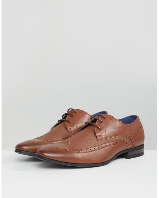 Brogue With Embossed Detail In Tan - Tan New Look Ikv9F0mJ