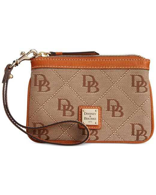 Dooney & Bourke | Natural Maxi Quilt Americana Signature Medium Wristlet | Lyst