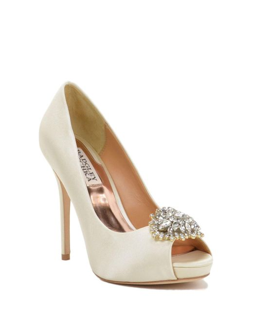 Badgley Mischka | Natural Jeannie Wide-width Peep-toe Pump | Lyst