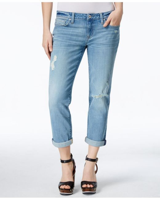 Most boyfriend jeans regularly making rounds on street style blogs stick to a light (sometimes almost white) wash. Break from tradition and pick up a pair in a darker shade, and then pair them with a top in an on-trend pastel like pink or mint.