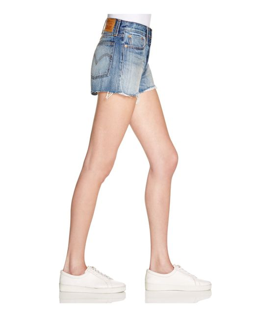 levi 39 s wedgie denim shorts in buena vista light in blue buena vista light save 30 lyst. Black Bedroom Furniture Sets. Home Design Ideas