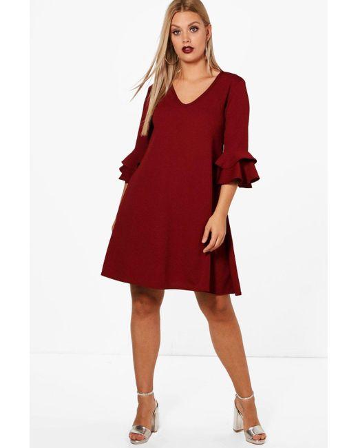 5098fd2bb5cc Boohoo - Red Plus Crepe Ruffle Sleeve Shift Dress - Lyst ...