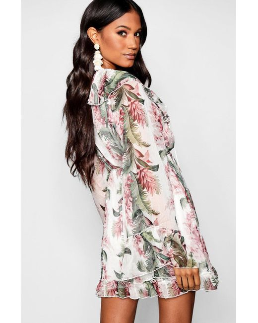 4443b16a4cd1 ... Boohoo - Multicolor Floral Print Flared Sleeve Frill Skater Dress - Lyst