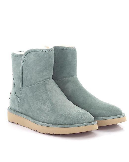 lamb ugg boots