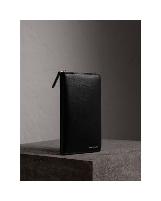 Burberry - London Leather Ziparound Wallet Black for Men - Lyst